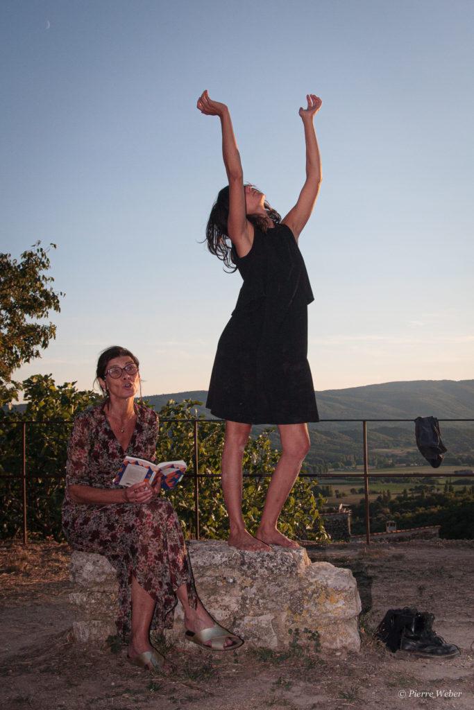 Lecture dansée à Reillanne avec Laurence Vilaine-11 septembre 2021